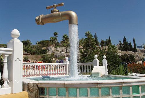 Le fontane più strane del mondo - Foto 1 di 15 | SiViaggia