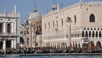 Venezia: parte il Vaporetto dell'arte