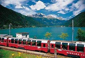 Sul trenino rosso del Bernina