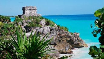 """Boom di turisti alle rovine maya in previsione della """"fine del mondo"""""""