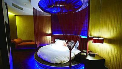 003-love-hotel-cina