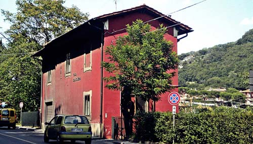 casa-cantoniera-val-bisenzio-ss325-a-La-Foresta-flickr--@massimiliano-valardi
