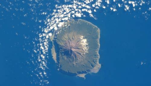 Tristan-da-Cunha-satellite-o
