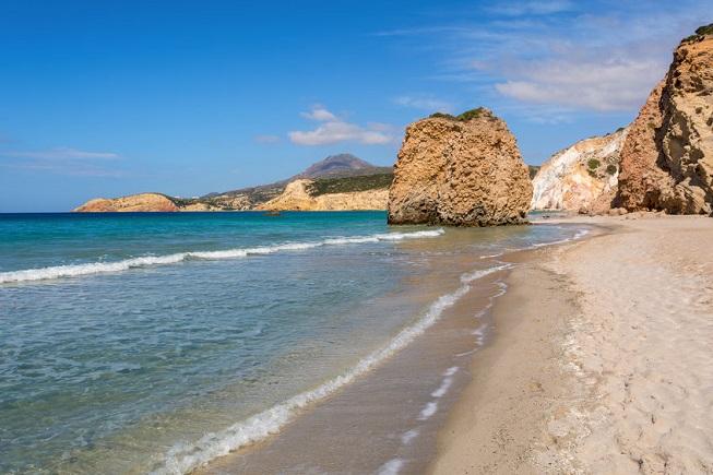 La spiaggia di Firiplaka sull'Isola di Milos