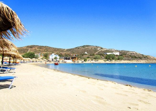 La spiaggia di Manganari