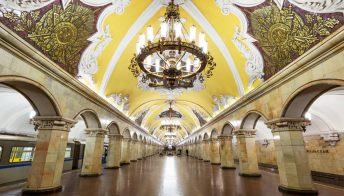 Mosca ha una metropolitana meravigliosa, un universo da scoprire
