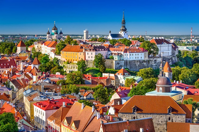 Vista della città di Tallinn
