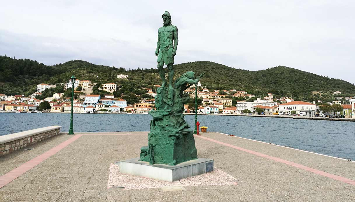 itaca-statua-ulisse-vathy