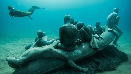 sub-sculture_Jason-deCaires-Taylor-500