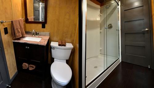 bunker-soggiorno-vivos-bagno_web_500
