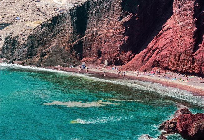 Red Beach, la spiaggia rossa di Santorini
