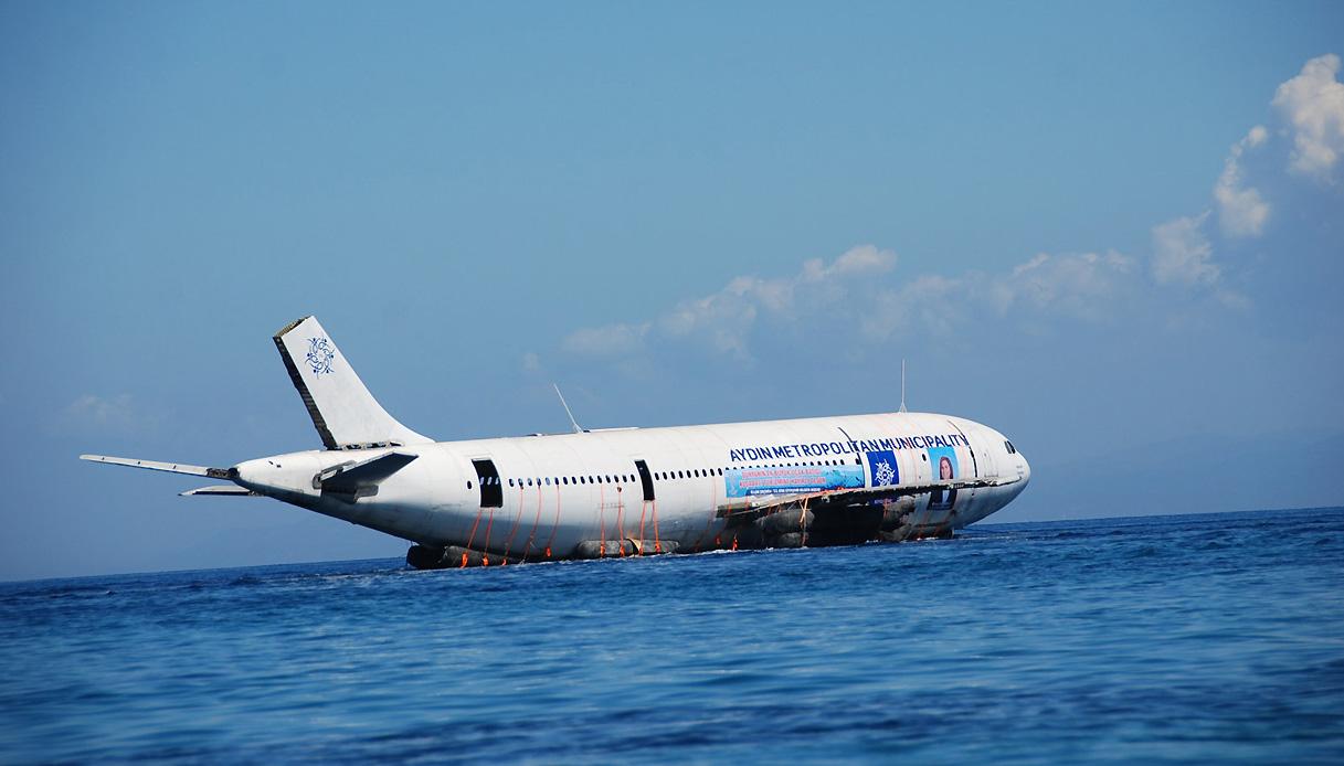 Cosa Comprare A Izmir turchia: l'aereo diventerà una nuova barriera corallina