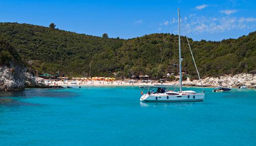 spiaggia-grecia-voutoumi_th_500