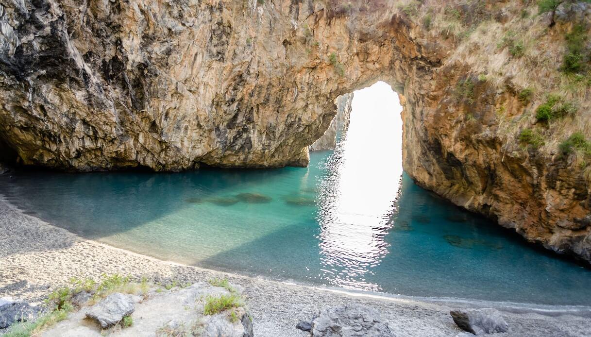 Spiaggetta dell'Arcomagno in Calabria