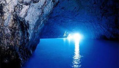 La Grotta Azzurra dell'Isola di Dino