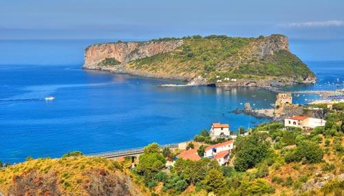 L'Isola di Dino vista dalla Calabria