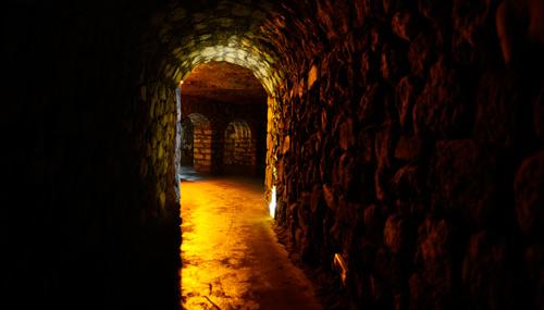 sotterraneo-castello-di-buda_th_500