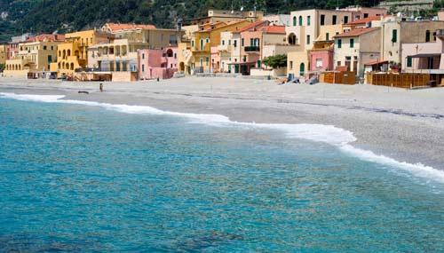 Varigotti Liguria Cartina Geografica.Le Spiagge Di Sabbia In Liguria Siviaggia