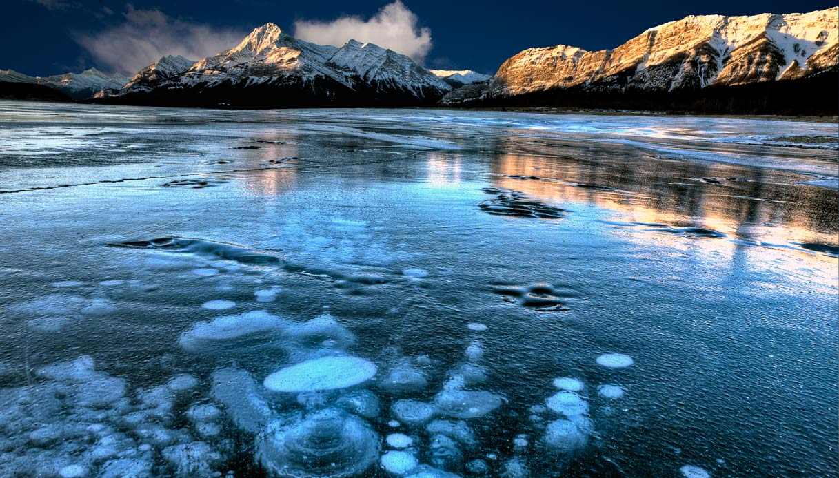 Frozen-methane-bubbles-Canada