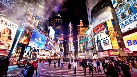 Tutte le cuorisità e la storia di Times Square a New York