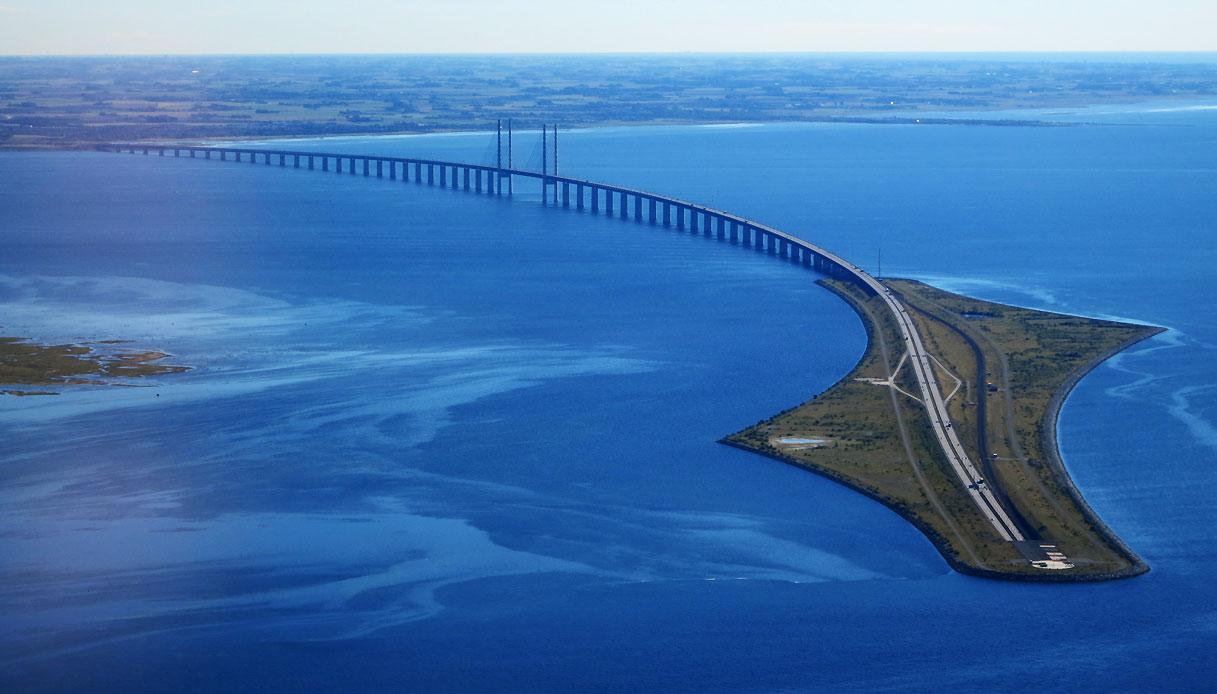 Il Ponte di Øresund che si immerge nelle acque del Nord | SiViaggia