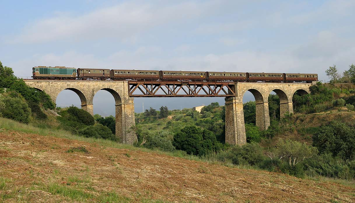 treno-centoporte-w