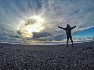 Spiaggia nera di Reynisfjara a Reykjavik in Islanda