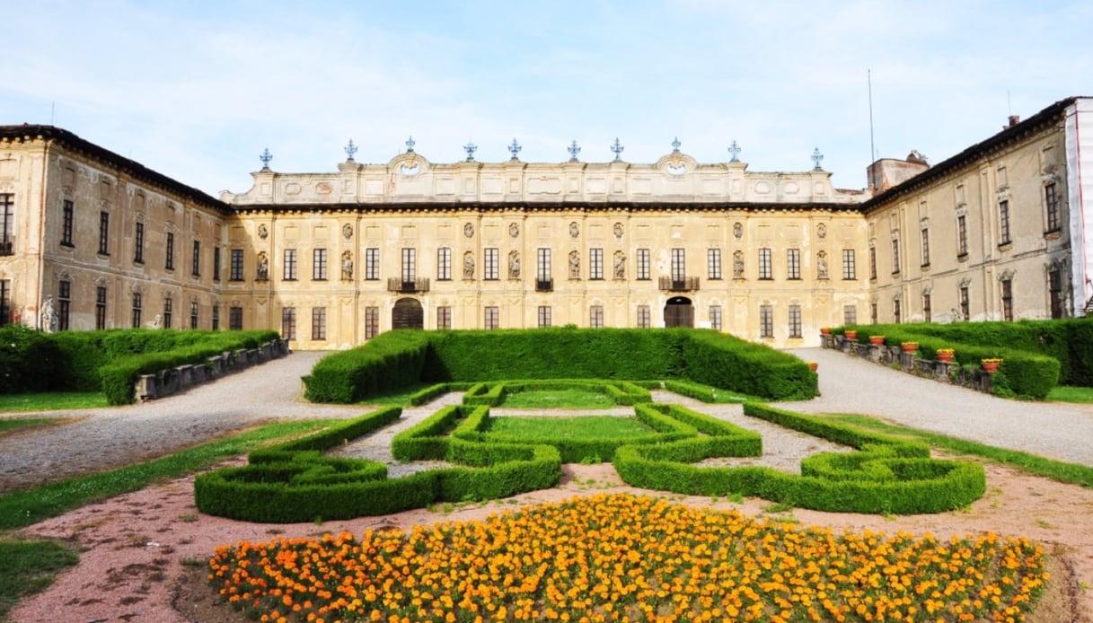 Riapre Villa Arconati, la piccola Versailles milanese: festa il 29 aprile e il 1° maggio