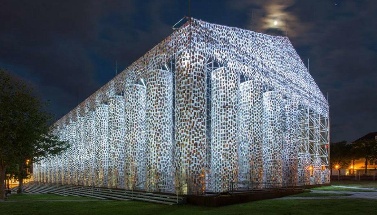 In Germania, un monumento costruito con migliaia di libri censurati
