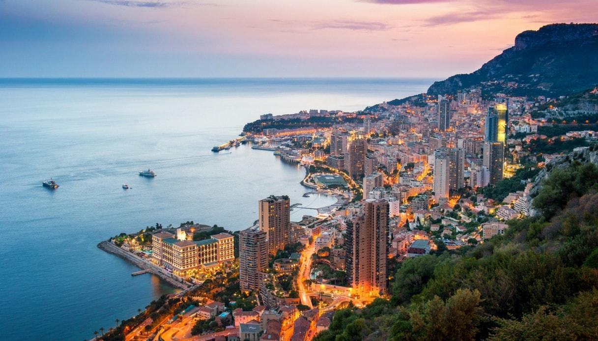 Costa Azzurra, Montecarlo e tutti i luoghi della serie tv Riviera