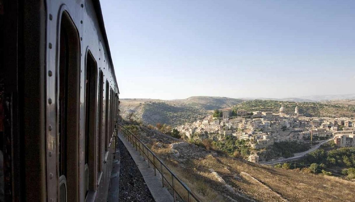 Parte il treno del Barocco: un viaggio nel tempo in Sicilia