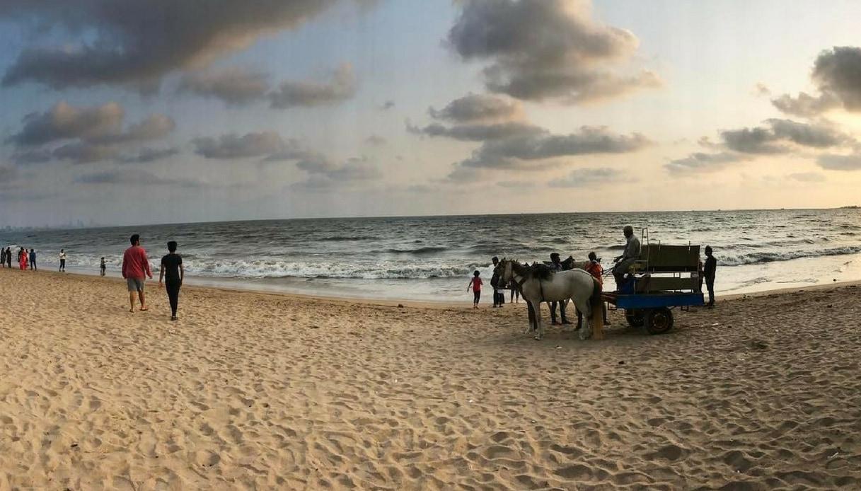 Versova Beach: da discarica a spiaggia da sogno