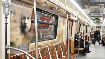 A San Pietroburgo la metro diventa biblioteca