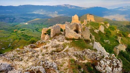 Rocca Calascio: il castello misterioso