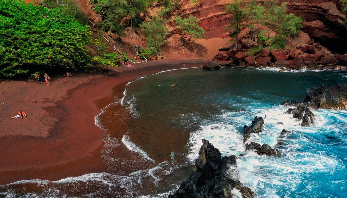spiaggia rossa maui