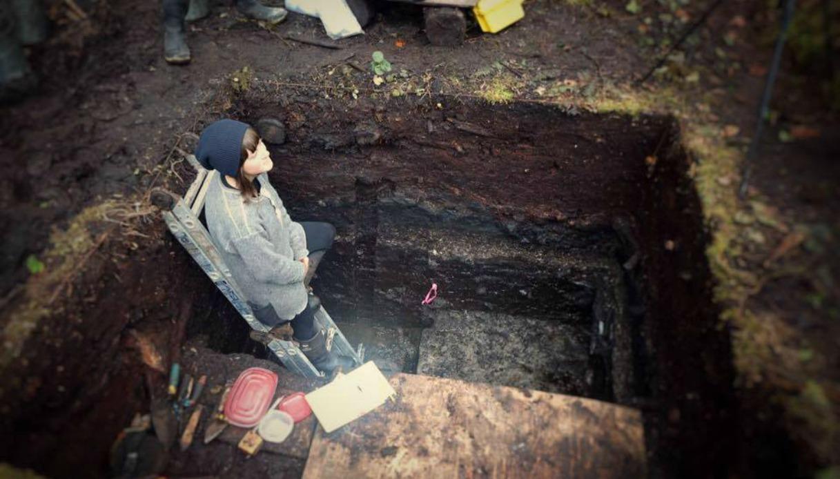 studentessa trova un villaggio più antico delle piramidi