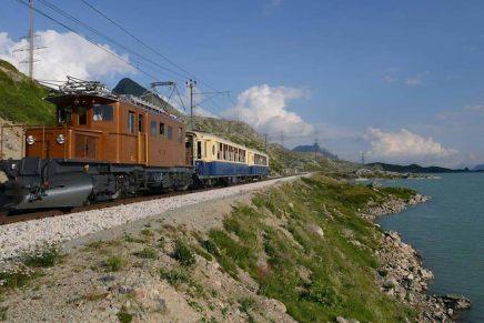 Sul Trenino Rosso con la locomotiva a vapore