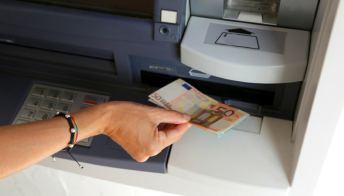 Come fare bancomat a Parigi
