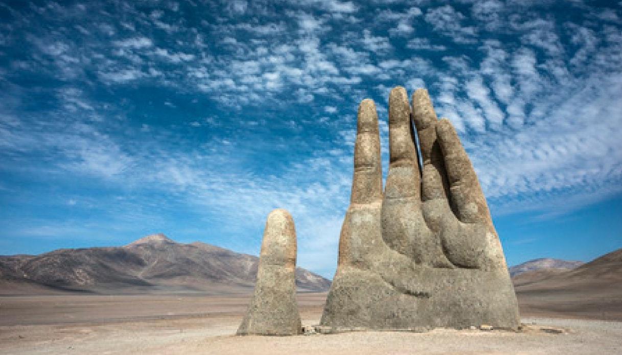 La Mano Del Desierto in Cile