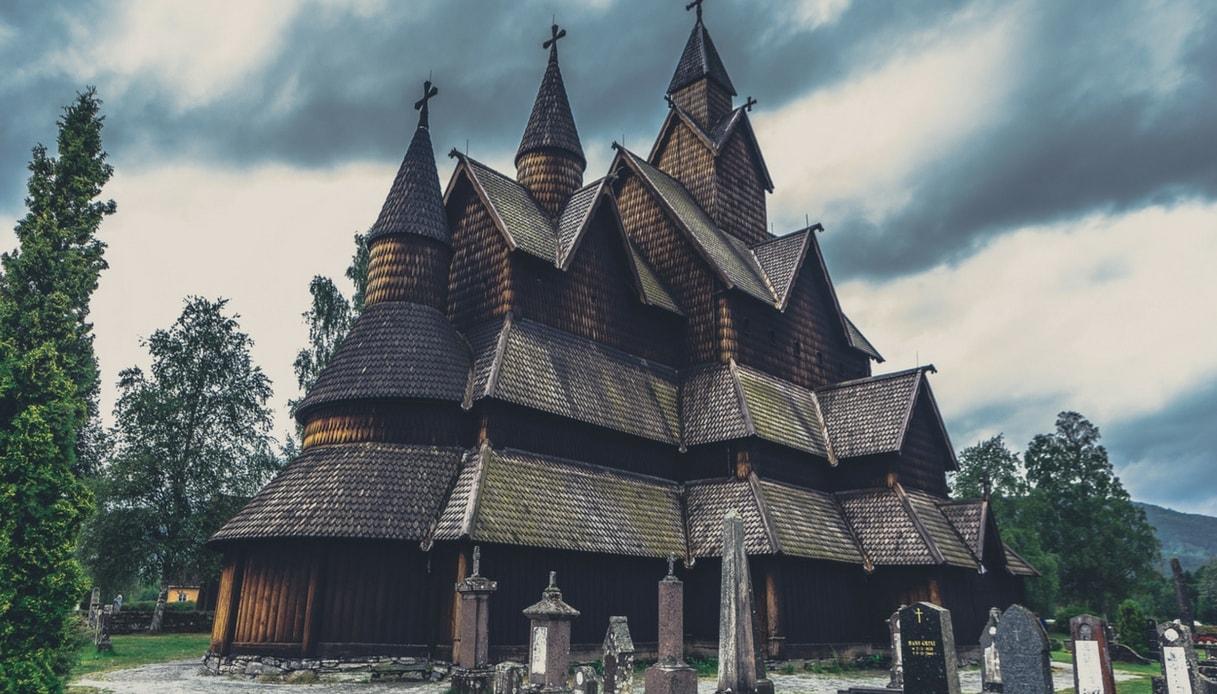 Norvegia: alla scoperta delle Stavkirke, le suggestive chiese di legno medievali