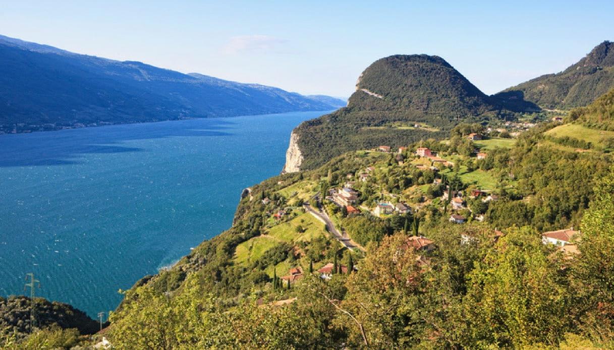 Tremosine, in vendita l'hotel sul lago di Garda che ospitò ...