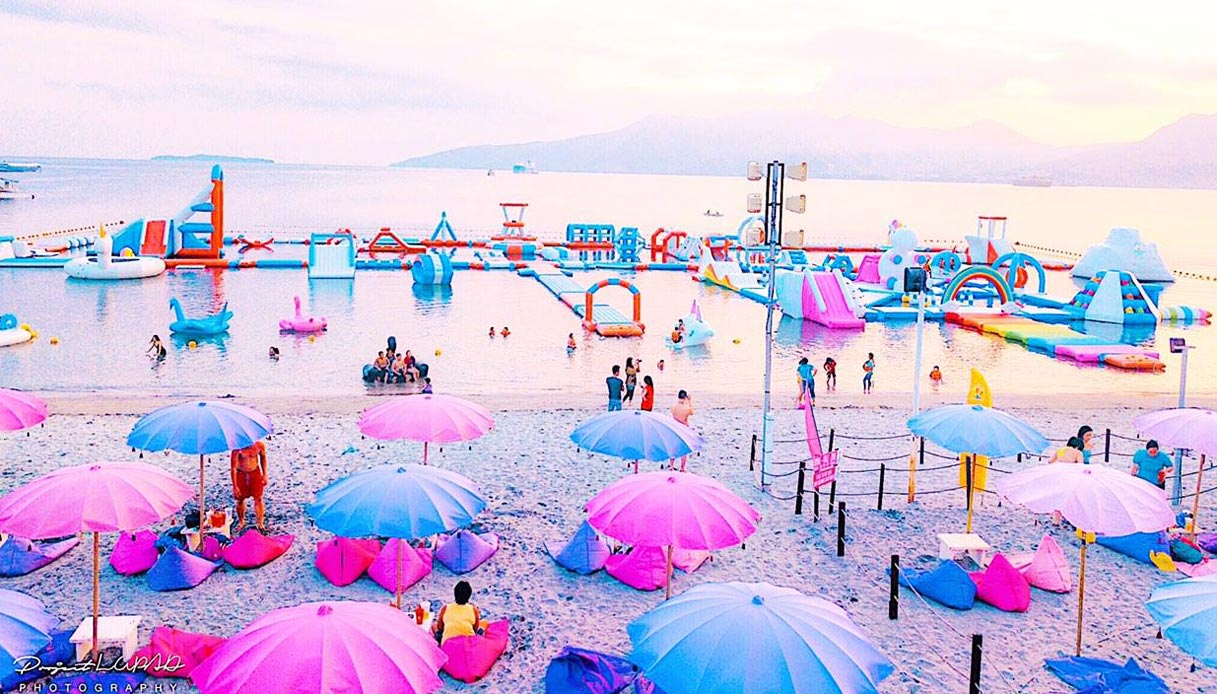 Inflatable-Island-filippine