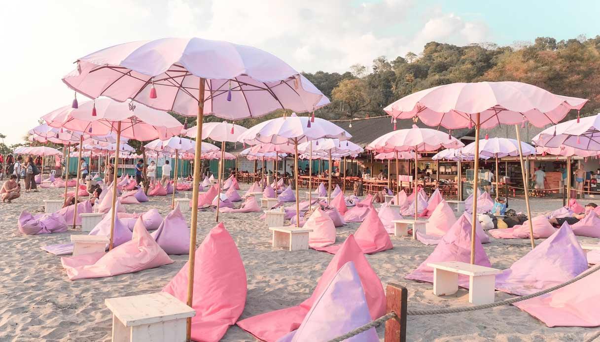 isola-gonfiabile-unicorni-spiaggia-filippine