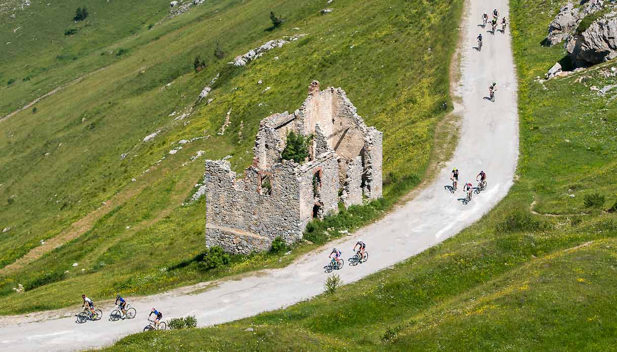 Limone-Piemonte-bicicletta-alta-via-sale