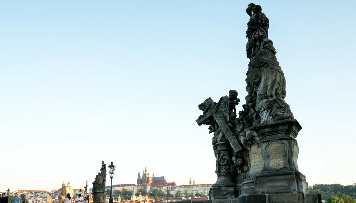 Leggende e immagini del Ponte Carlo a Praga