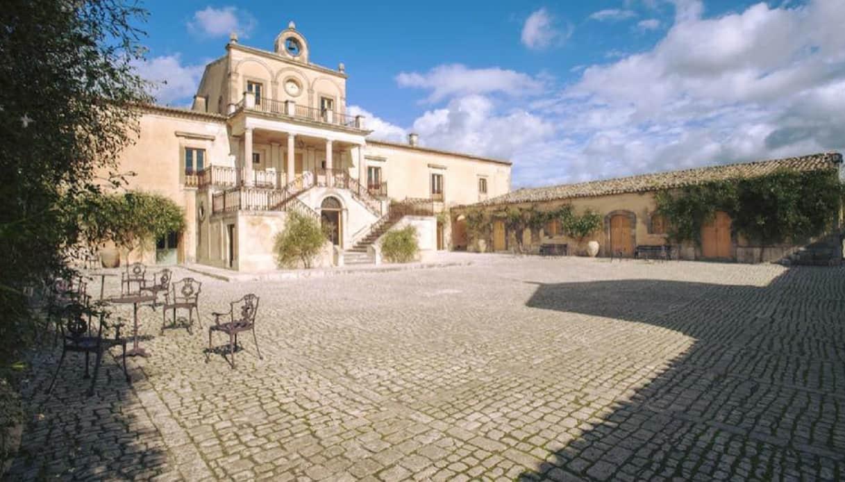Alla scoperta di Villa Fegotto, una delle location di Montalbano