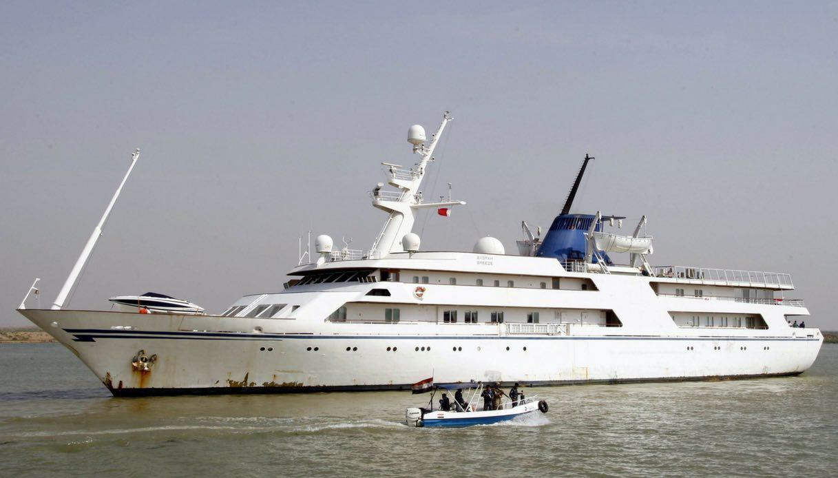 Lo yacht di Saddam diventa un hotel di lusso in mezzo al mare