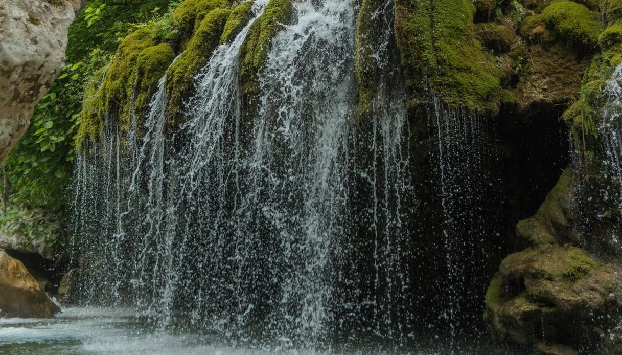Capelli di Venere, la cascata nel Cilento che sembra uscita da una fiaba    SiViaggia