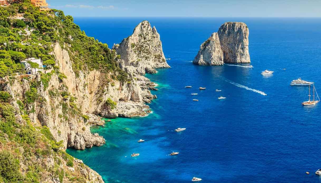 Cosa vedere in barca a vela a Capri, Procida e Ischia