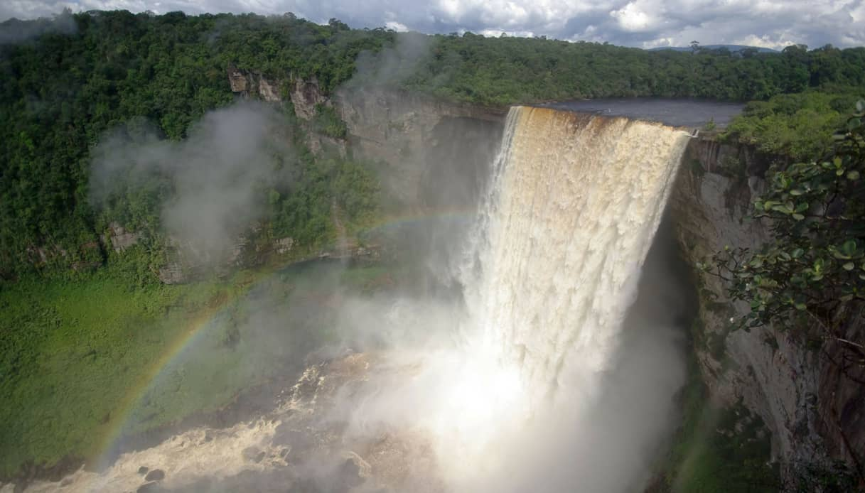 Come arrivare alle Cascate Kaieteur, in Guyana, e cosa vdere nei dintorni